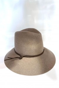 Kinly Hat Taupe