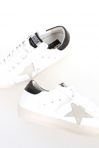 Sneakers superstar white black gold lettering